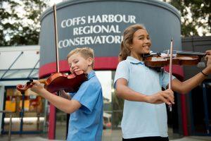 Conservatorium - children playing violin