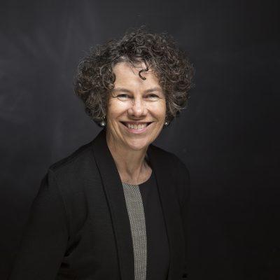 Lesley Schoer